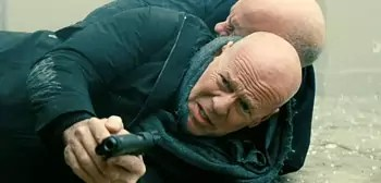 Bruce Willis en John Malkovich in Red 2