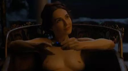 Carice van Houten naakt als Melisandre in Game of Thrones