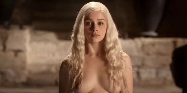 Emilia Clarke naakt in Game of Thrones