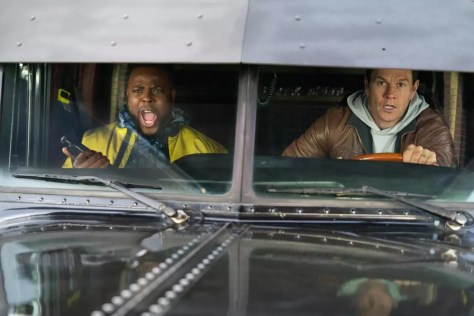 Winston Duke & Mark Wahlberg in Spenser Confidential recensie op Netflix België