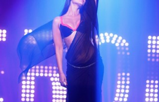 Main Heroine Hoon Video Song 2012