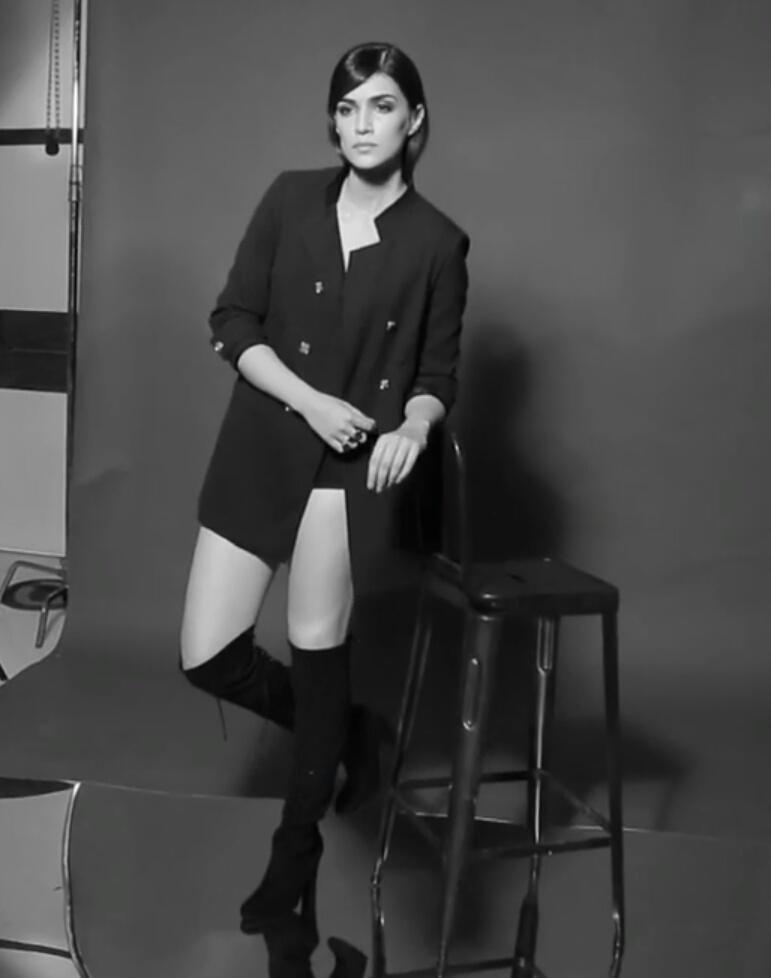 Kriti Sanon Photoshoot Of Maxim Magazine December 2016 Issue Image 4