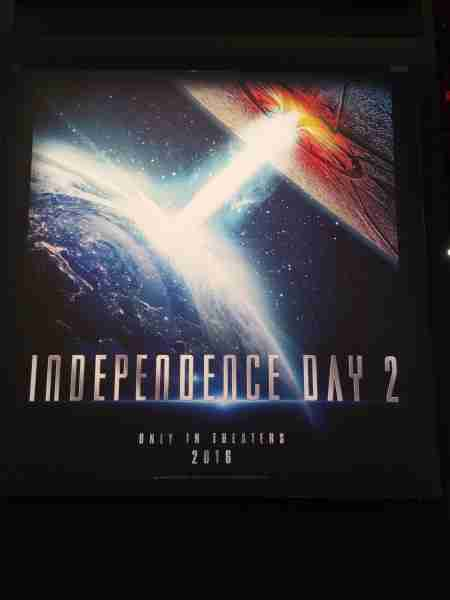 independence-day-2-poster-emmerich