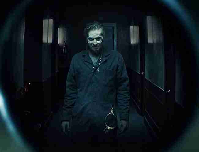 Review: Val Kilmer Dials Up The Creepy In Horror-Mystery THE SUPER