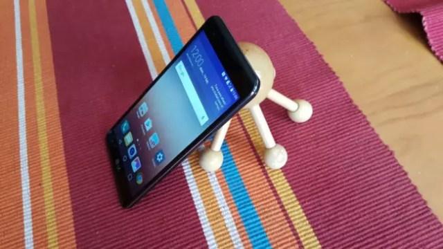 Lateral del teléfono LG X Power