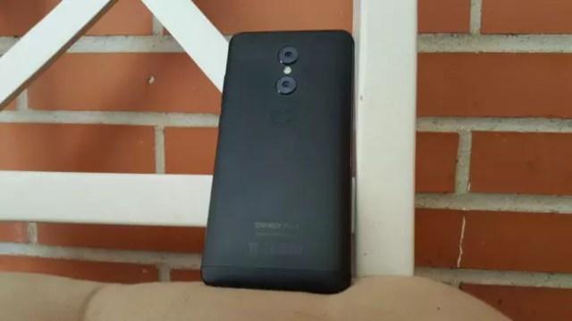 Trasera del Energy Phone Pro 3