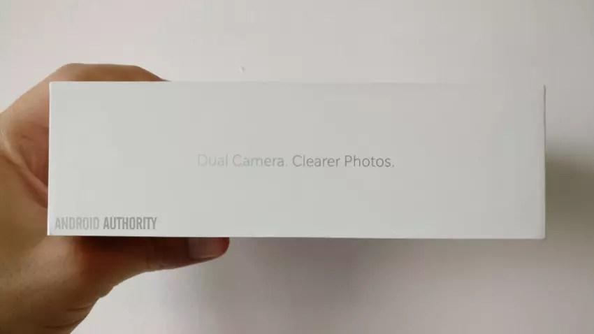 OnePlus cinco con doble cámara trasera como característica