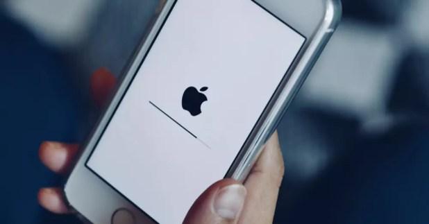 iPhone actualizando su software