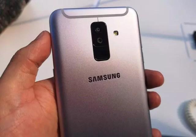 móviles con flash frontal -Galaxy A6+