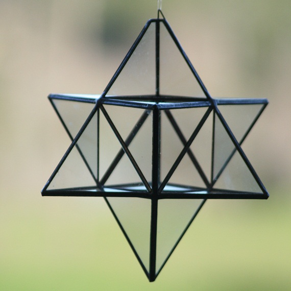 estrella tetraedrica de cristal