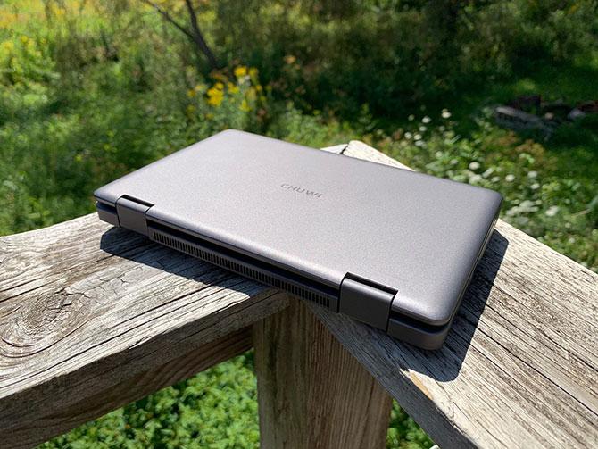 Le MiniBook 8 fermé