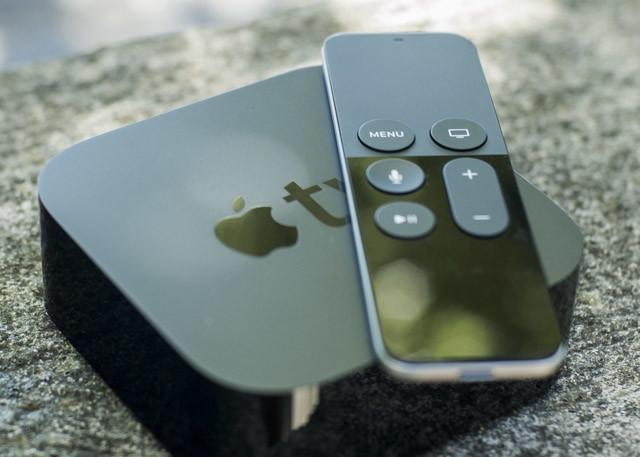 Apple TV avec télécommande