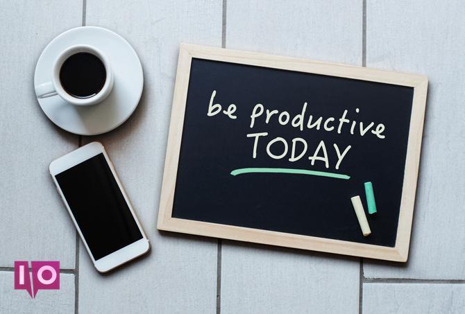 Soyez un message de motivation productif sur le tableau noir