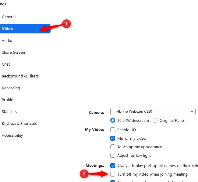"""Cliquez sur """"Vidéo"""" et sélectionnez """"Désactiver ma vidéo lors de la participation à une réunion"""" dans les paramètres de zoom"""