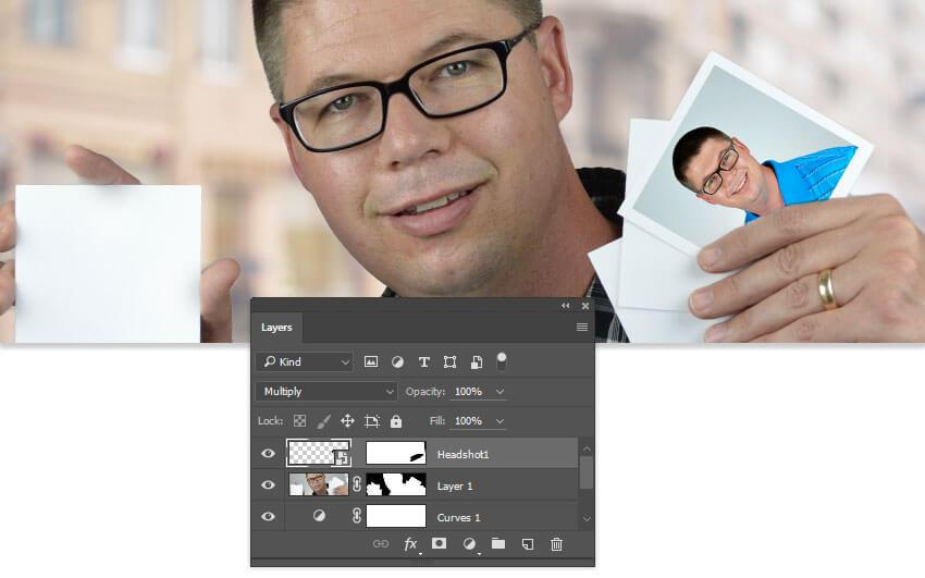 Utilisez un masque de calque pour placer visuellement l'image derrière les doigts