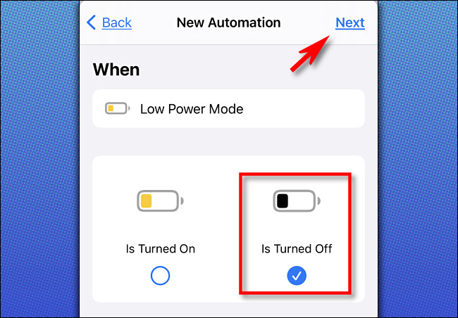 """Dans Raccourcis Apple sur iPhone, sélectionnez """"Est désactivé"""", puis appuyez sur """"Suivant""""."""