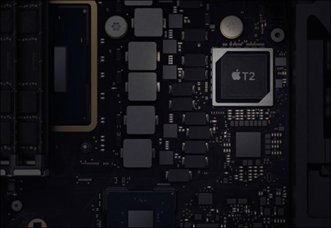 Une puce de sécurité T2 dans un Mac mini 2019.