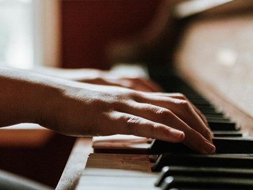 Compétences que vous pouvez apprendre d'Amazon Alexa Piano