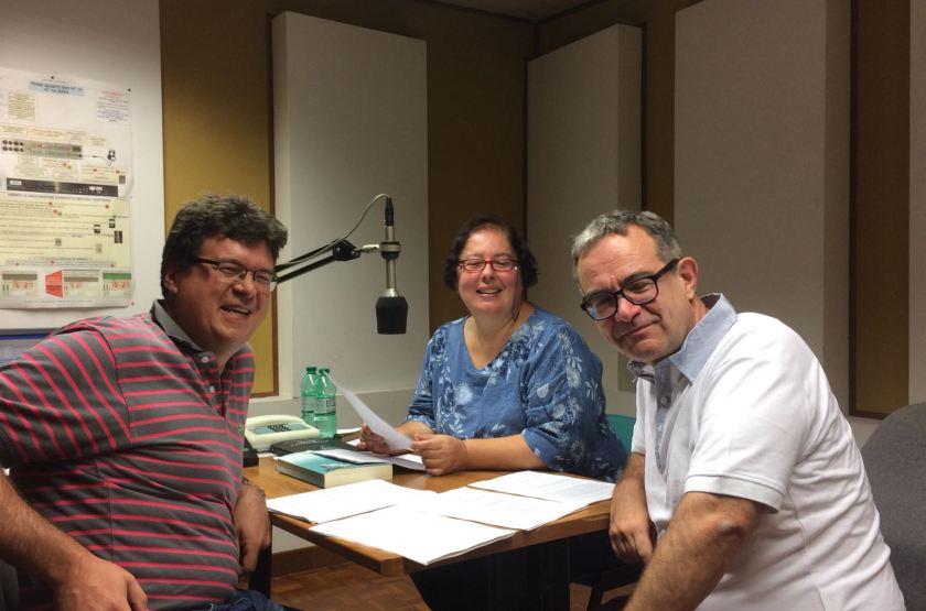 Luigi Picardi, Anna Trombetta e Luca Bianchini negli studi di Radio Vaticana