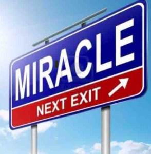 """Bianchini, Trombetta, informazioni vitali su Mozart. Immagine di un cartello con scritta: """"Miracle"""""""