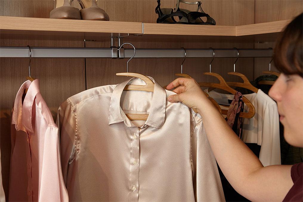 Bamboo Mozu Hanger in Woman's Dress Shirt