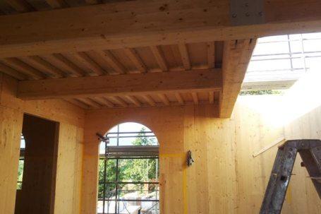 Borgo a Scarperia Firenze soffitta montata travi in legno