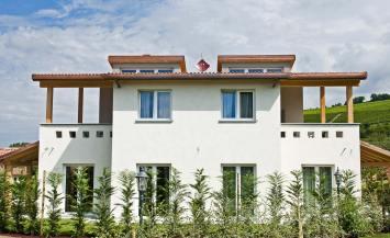 Appartamenti in legno BBS per vacanze a Barolo, Cuneo
