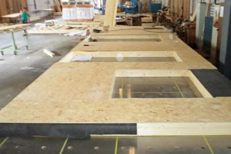 Pre-assemblaggio pareti a telaio in legno per bioedilizia e case in legno
