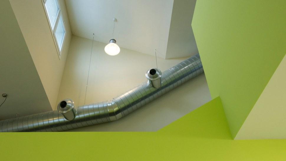 Scuola antisismica in legno x lam bbs Vigarano Mainarda Ferrara 05 dettaglio scale