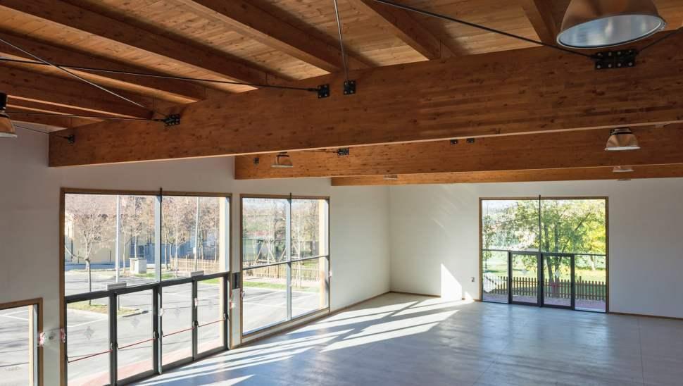 Capannone legno Salmour Cuneo - 14 interno - Mozzone Building System