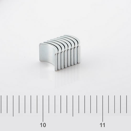 Small Arc Magnet