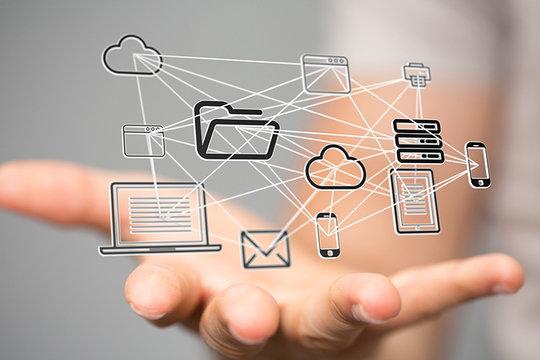 Digitale Vernetzung im Alltag: Das Internet stellt nicht nur eine wichtige Technologie dar – es ist inzwischen zu einem neuen sozialen und ökonomischen Handlungsraum geworden.