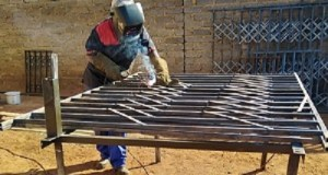 Francina Tselane, a Limpopo woman based in Soweto is doing the work that men have dominion in. She is one such a lady defying the myths. Photo by Mthulisi Sibanda, CAJ News