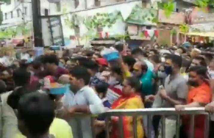 stampede-at-ujjains-mahakaleshwar-temple-due-to-vip-visits