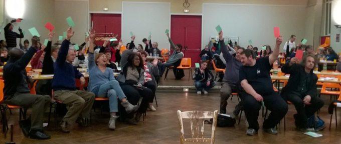 Théâtre législatif, s'interroger et avancer sur des problématiques sociales