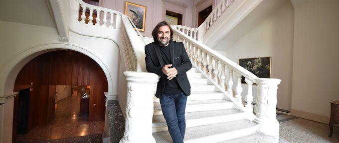 Visite de l'expo Bal(l)ade avec André Manoukian