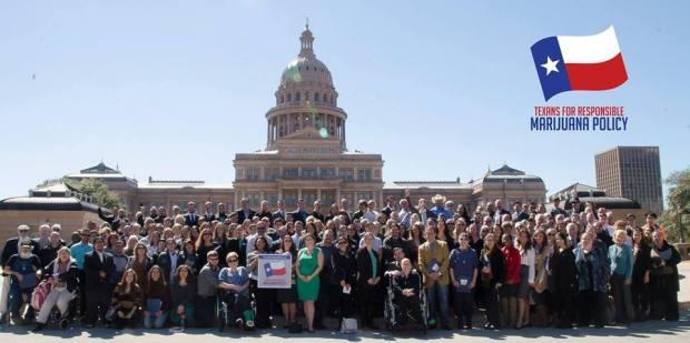 2015-Texas-Lobby-Day-Group-Photo-with-Logo