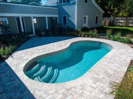 Kidney Shaped Pool