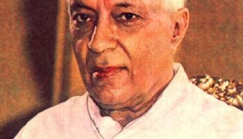 पंडित जवाहरलाल नेहरू, भारताचे पहिले पंतप्रधान.