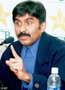जावेद मियाँदाद – पाकिस्तानी क्रिकेट खेळाडू व प्रशिक्षक