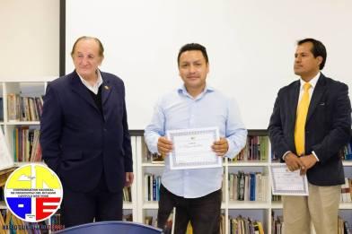 "Confederacion Nacional de Periodistas del Ecuador ""Capitulo New York"" CNPE "" TALLER DE PERIODISMO"