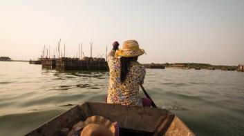 空邦魯 與 越南浮村的比較
