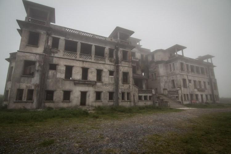 波哥山城酒店 Bokor Palace Hotel