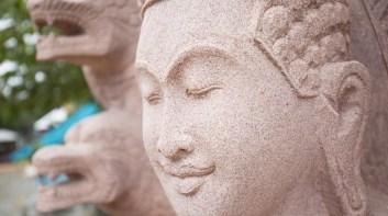 柬埔寨石雕村