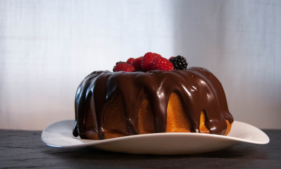 BUNDT DE NARANJA CON CHOCOLATE