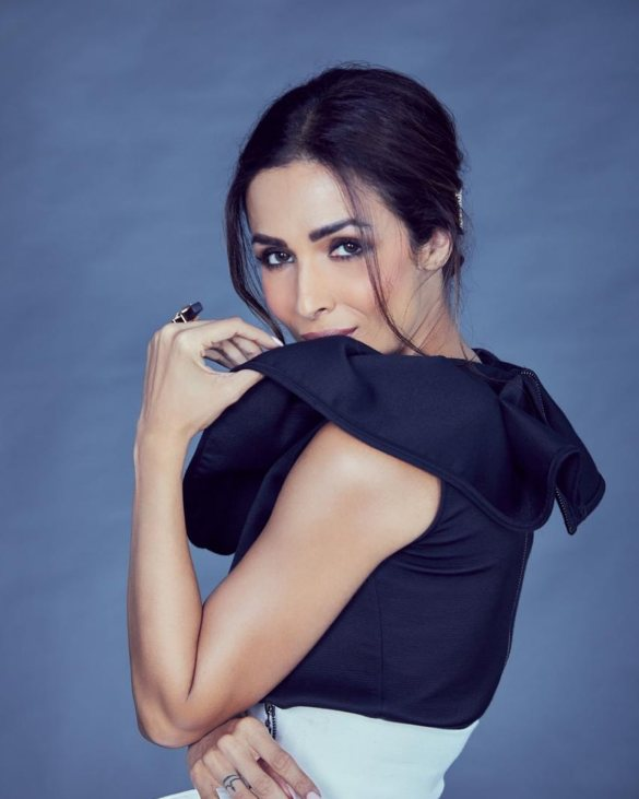 MALAIKA ARORA KHAN AGE HEIGHT HOT SEXY WALLPAPERS IMAGES PICS
