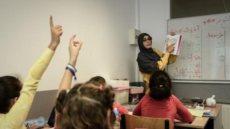 غياب معطيات رسمية يلف توقف فرنسا عن استقطاب أساتذة مغاربة