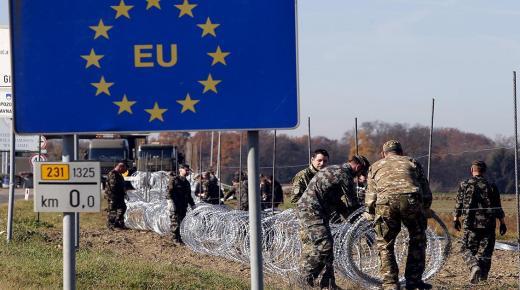 """النمسا تدعم اليونان لمواجهة تدفقات المهاجرين ولن تقبل بأية """"ضغوطات"""" تركية إضافية"""