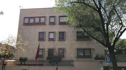 إسبانيا .. سفارة المغرب بمدريد تحدث خلية لتتبع التطورات المرتبطة بفيروس كورونا المستجد