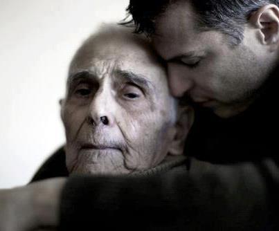 anziano padre e figlio - La grande lezione di papa: che cos'è quello